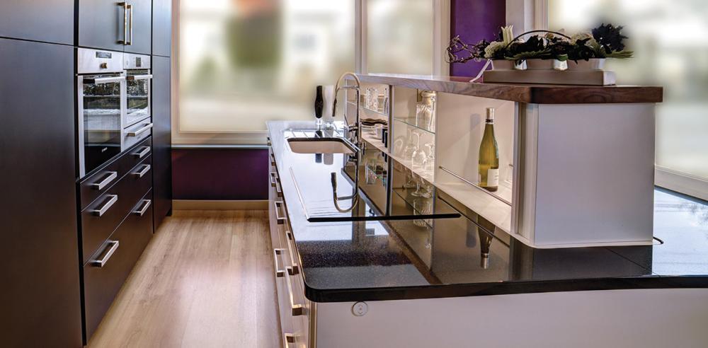 contacter un professionnel niort pour votre cuisine am nag e salle de bains. Black Bedroom Furniture Sets. Home Design Ideas